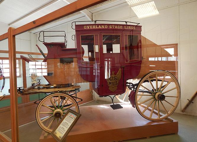Un Carruaje antiguo perteneciente al Museo de Carros de Oasys MiniHollywood