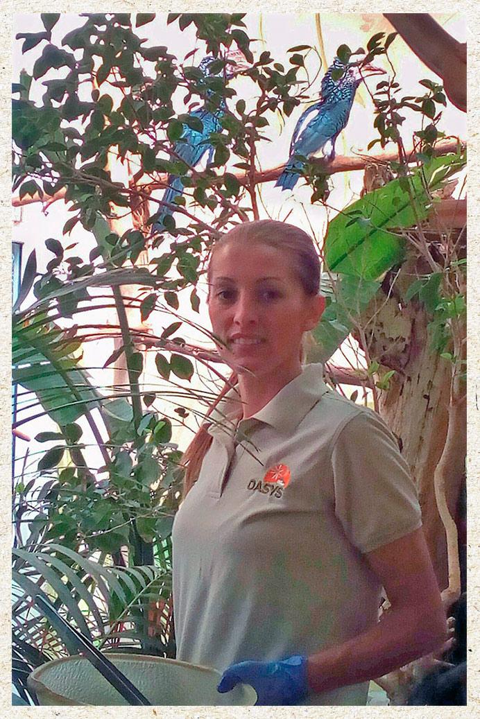 Adina, cuidadora del Parque Oasys MiniHollywood