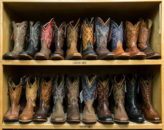 2189d36624 Vestimenta de los vaqueros y cowboys del Lejano Oeste Americano