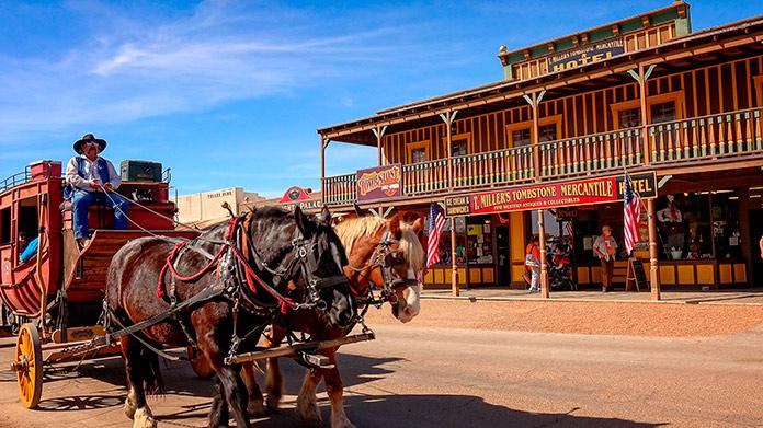 Tipos de ciudades y poblados en el Oeste americano
