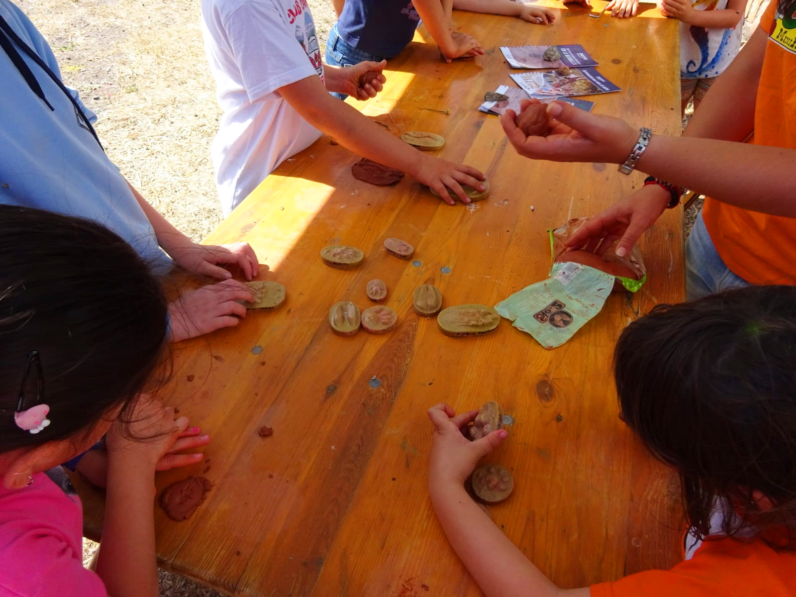 Niños participando en festival Vía Sur de Serón
