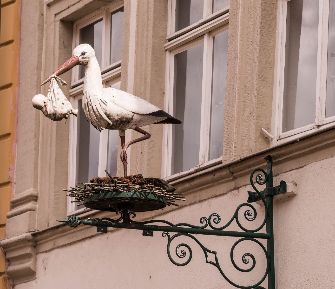 estatua de Cigüeña blanca