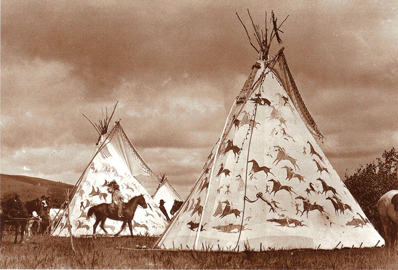 Types of Native American tipis